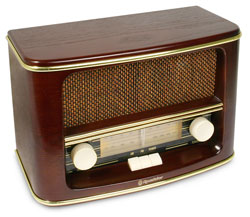 Retro rádio model Roadstar HRA-1500/N